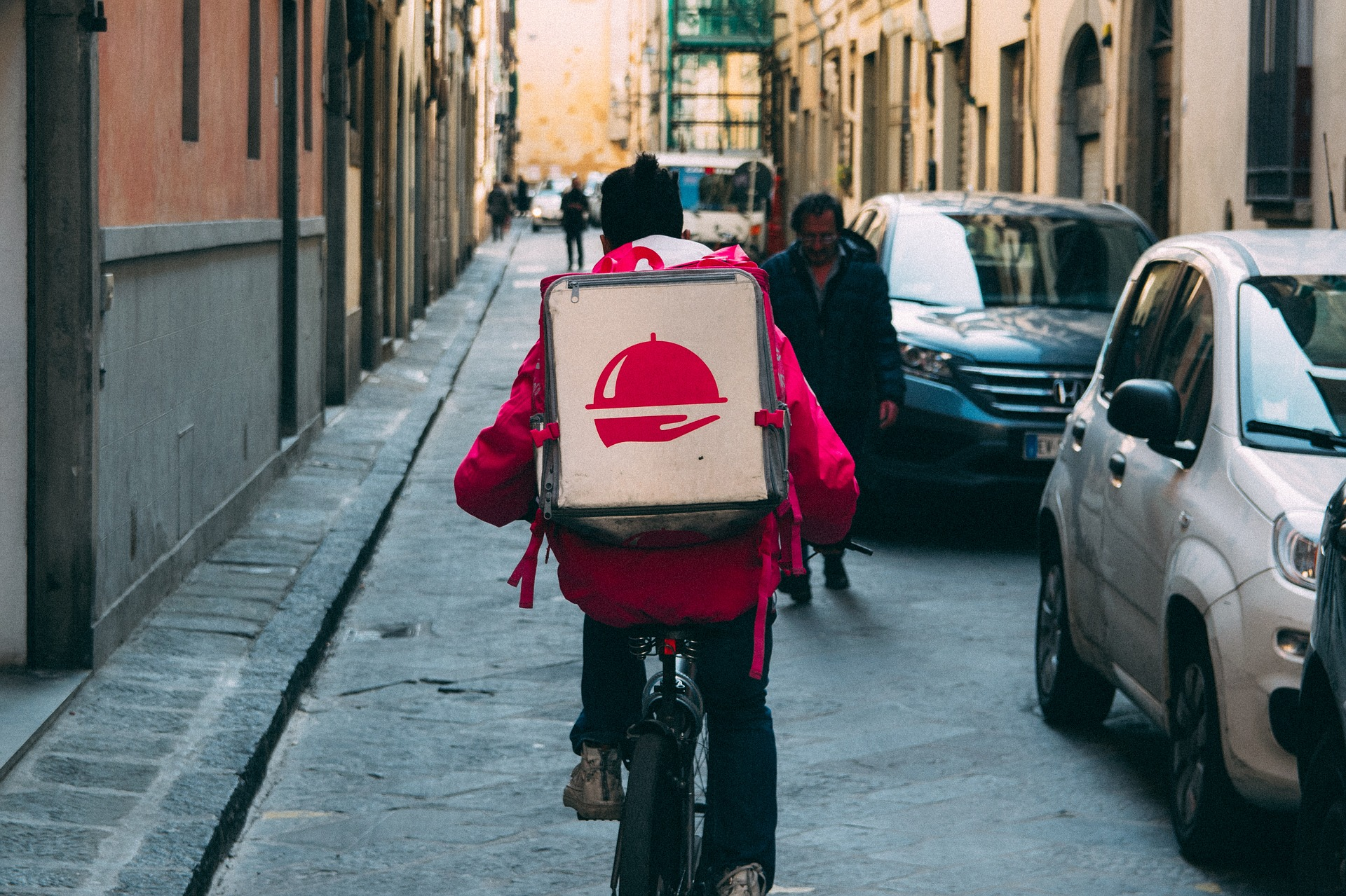 alibaba food delivery connected cars